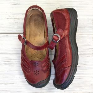 Keen Red Presidio Mary Jane Buckle Shoes 7
